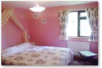Holly Lodge - Bedroom